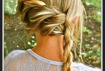 Hair Styles / by Hannah Pratt