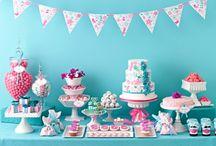 Aqua & Pink Cupcake Display / by Bella Cupcake Couture
