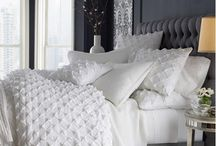 Beds & Bedding/Bedrooms / by Mary-Anne Hartley