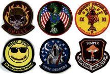Design - Badges & Stamps / by Tahiana Krindges