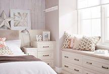 bedroom / by Nicole Robbins