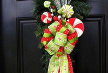 Christmas Wreaths / by MakingArtMatters