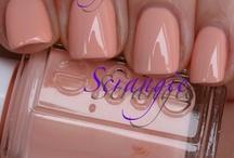 nails nails nails / by Susanna Del Llano