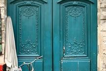 Doors and Entryways / by Caryn Homet