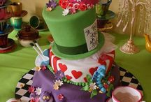 Cakes I like that others have made / by Luanne McCallister
