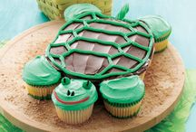 Cupcakes & Cupcake Creations / by Life Made Delicious