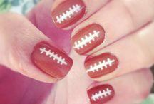 nails / by Isabel Baca