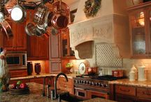 Kitchens / by Leigh Loggins