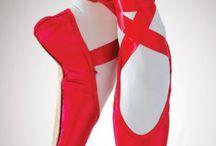 Red sensation  / by Lena Kroupnik Interiors