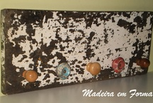 crackle paint  / by Ana Cristina Caldatto
