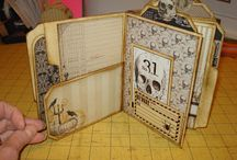 File folder albums / by Kay Batchelor