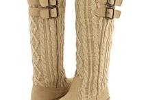 Zapatillas, Zapatitos, Pantuflas... / Shoes, Slippers... / by Yemi Duper