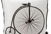 Bike-Tastic / by Leya Barr