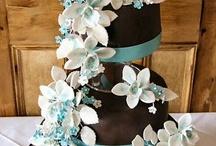 Cakes & Cupcakes / by leisla mendoza