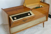 Mikes Old Radio's and Vintage Items / by Amy Dodson