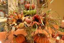 HDYGG - Fallin' for Fall / My favorite collection of Fall & Halloween decorating ideas, fall food & recipes, fall DIY projects, fall decor inspiration, Halloween costume ideas and Halloween party ideas. / by Melissa Russo / How Does Your Garden Grow?