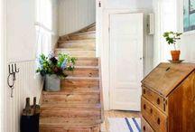 Hallways/Entrances/Mudrooms / by Allison Templeton
