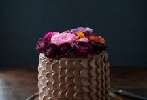 Cakes and Flowers.... / by Maria Renata Leto
