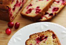 Breads/Muffins / by Veronica Croskrey