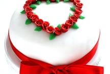 San Valentine's... love is in the air! / by Vanity Cakes