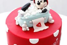 CAKES AND MINI CAKES / by Brenda Christmas