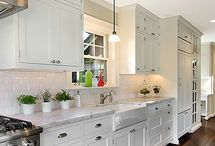 Kitchens / by Amber Baltzer Lowry