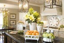 Home Improvement: Kitchens / by Melissa Thurmond