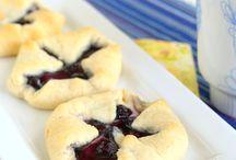 Breakfast Recipes / by Julie Murphy
