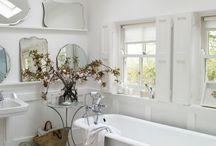 Bathrooms / by Gesika Cline