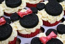 cupcakes / by Deb Valder