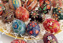 creative eggs / by Monika Piasecki