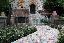 Hσмє ѕωєєт Hσмє / hobbit-, tiny-, fairy-, tree-, play-, unusual houses  / by Petra Kälberer