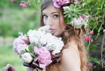 Flores / by Bernardita Martinez Spikin