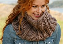 knitting / by Brooke Fowler