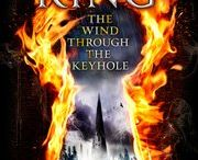 BOOKS --- The Dark Tower 4.5 - the wind through the keyhole / by Stephen King