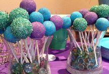 Cake Pops / by Denia Patricia Quesada Vargas