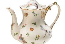Teapots / by Sharon Ambrose