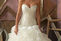 Wedding Dress Possibilities  / by Chea Mul