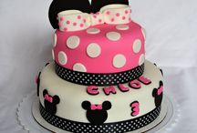 Fondant cakes and cupcakes / by Mahin JP