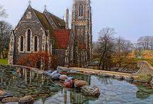 churches beautiful / by Gabi Vincent