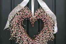 Wreaths I Love! / by Charlotte Coates