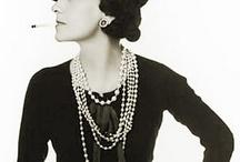 Vintage Chic / by Lori Randall Stradtman