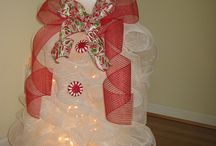 Deco Mesh Wreath Creations / by Donna Stees
