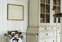 Traditional Marries Modern Decor / by Ivette