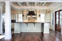 Kitchen / by Rachel Hellenbrand