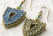 beading beads / by Josine Leona
