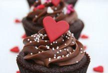 Valentine's Day Cakes / by CaljavaOnline.com