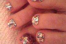nails / i love doing art in my nails <3 / by Joanna Escalante