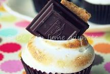 Cupcakes / by Rachel Deutsch