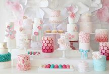 Cakes and Gourmandises / by Amandine Rousselot